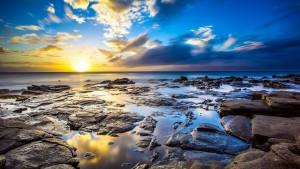 Ocean pierres et soleil